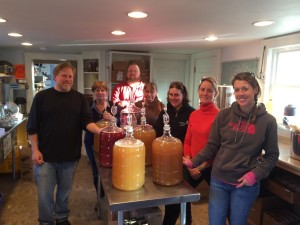 6 new meadmakers in the world, with your humble webmaster in the background.